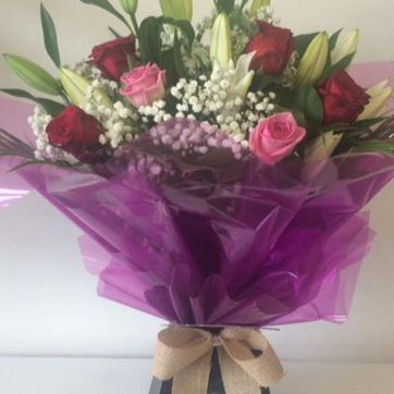 Lilies & Roses Delux From €75
