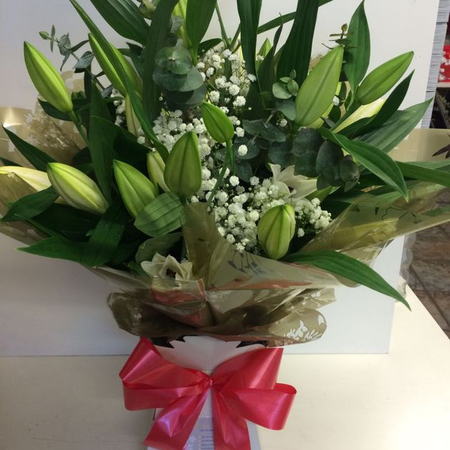 Lily bouquet from €59