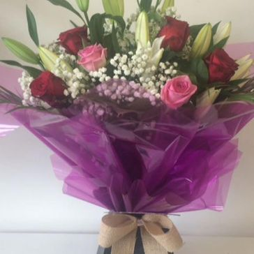 Roses & Lilies Delux €75