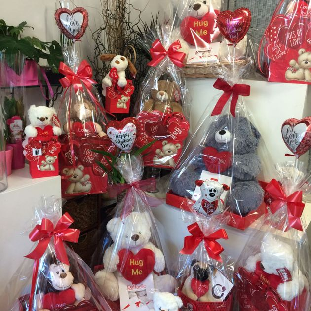 Teddy bear Bouquet Available In Store